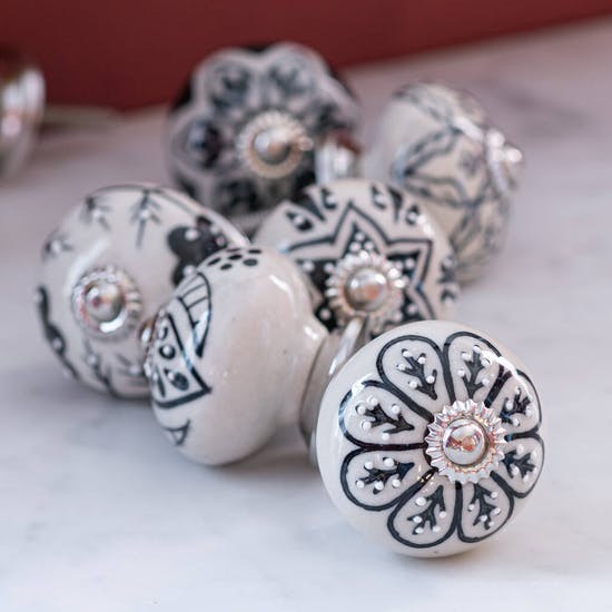 Delicate Monochrome Patterned Knobs