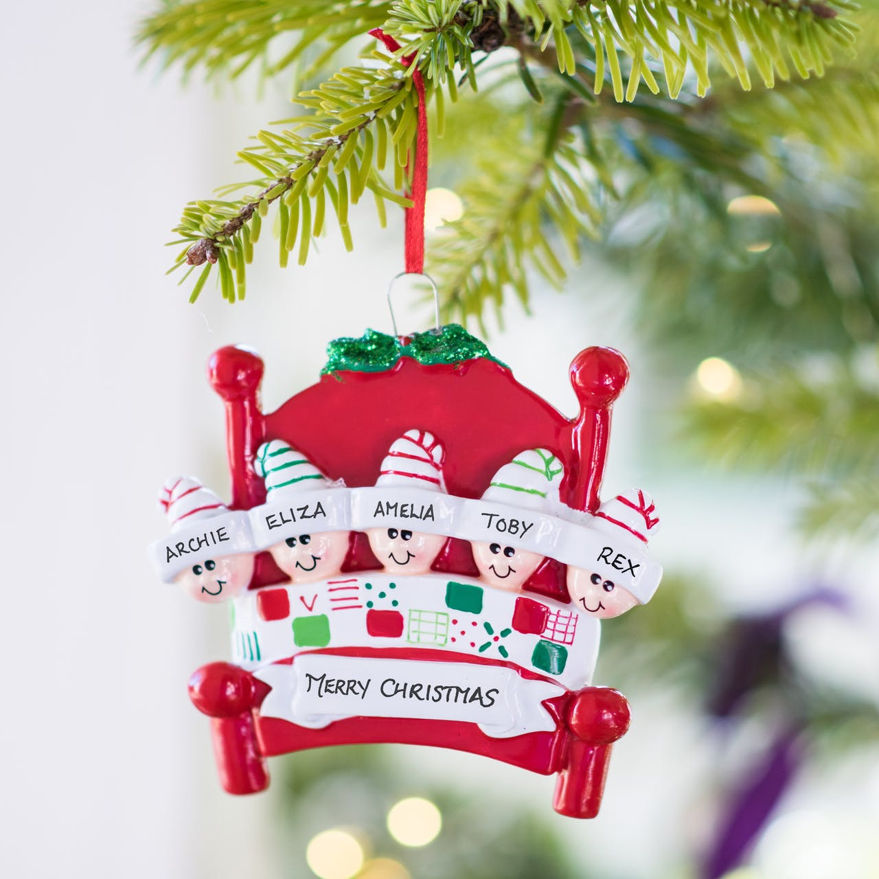 Christmas Tree Decorations Names.Personalised Cosy Family Decoration