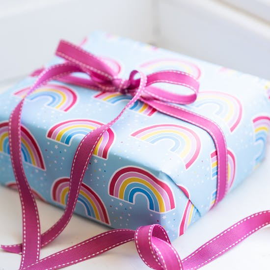 This pretty gift wrap with a rainbow design