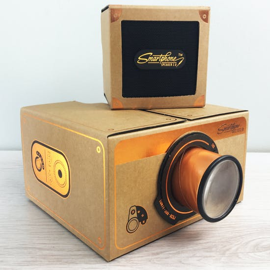 Smartphone Projector And Speaker Copper Gift Set